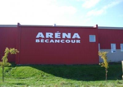 Lettrage extérieur grande impression – Aréna Bécancour