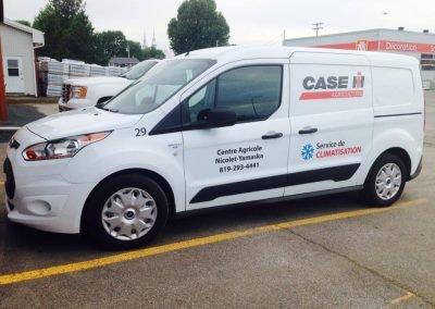 Lettrage sur camionnette – Case IH Climatisation