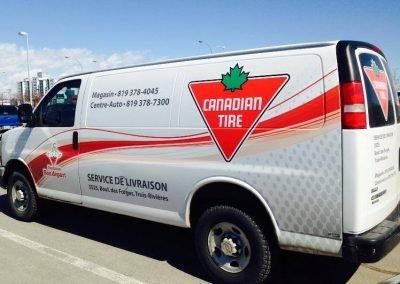 Lettrage sur camionnette & vinyle sur semi-remorque Canadian Tire