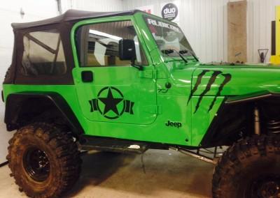 Wrapping d'un Jeep TJ – Vinyle noir mat