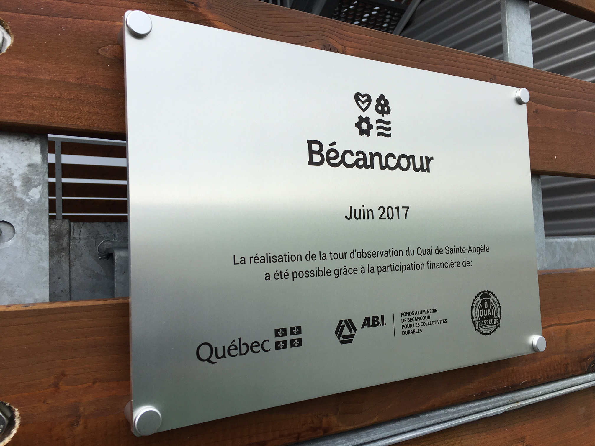 Plaque pour la d'observation du quai de Sainte-Angèle