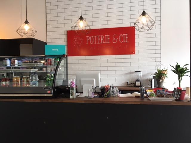 Affichage intérieur pour Poterie & Cie - Café créatif