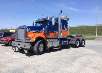 Lettrage partiel – Transport Rusty