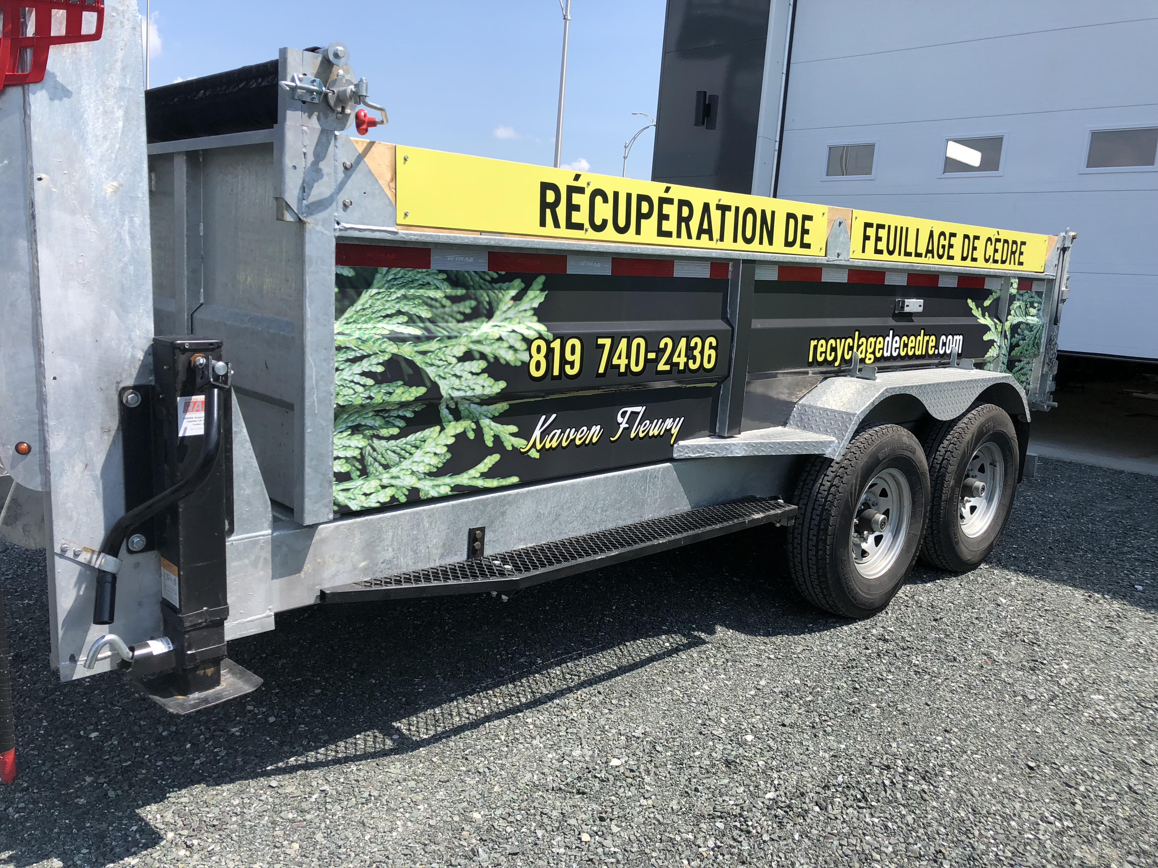recyclage-de-cedre-lettrage-remorque