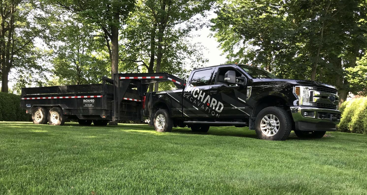 richard-excavation-lettrage-camion