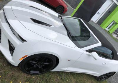 Lettrage partiel d'une voiture Mustang