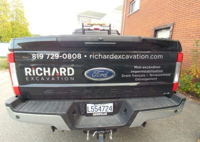 Lettrage de déneigeuses et véhicule – Richard Excavation
